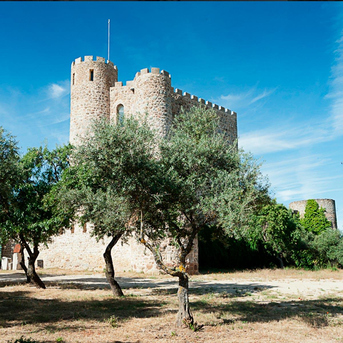 Recinto exterior Castillo de la Coracera