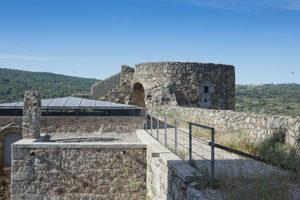 Patio de armas del Castillo de la Coracera