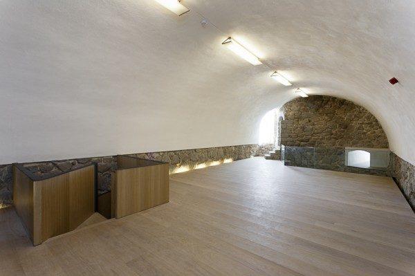 Sala de exposiciones del Castillo de la Coracera
